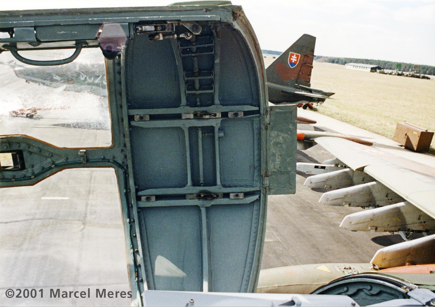 Su-25, Slovak AF, Canopy structure