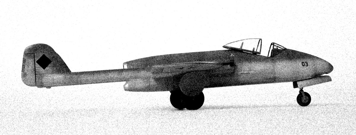 Focke Wulf Flitzer side view, Revell kit 1/72, b/w photograph