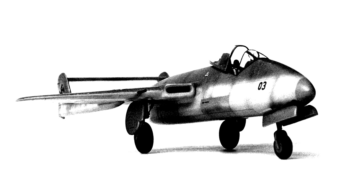 Focke Wulf Flitzer, Revell kit 1/72, b/w photograph