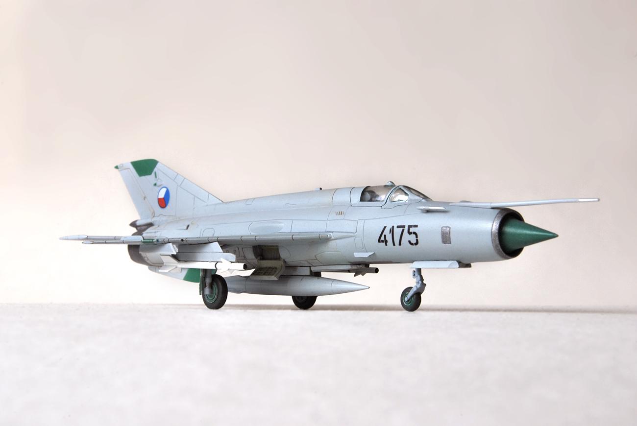 Mikoyan Gurievich MiG-21MF, Eduard, 1/144, 4175 Czech AF