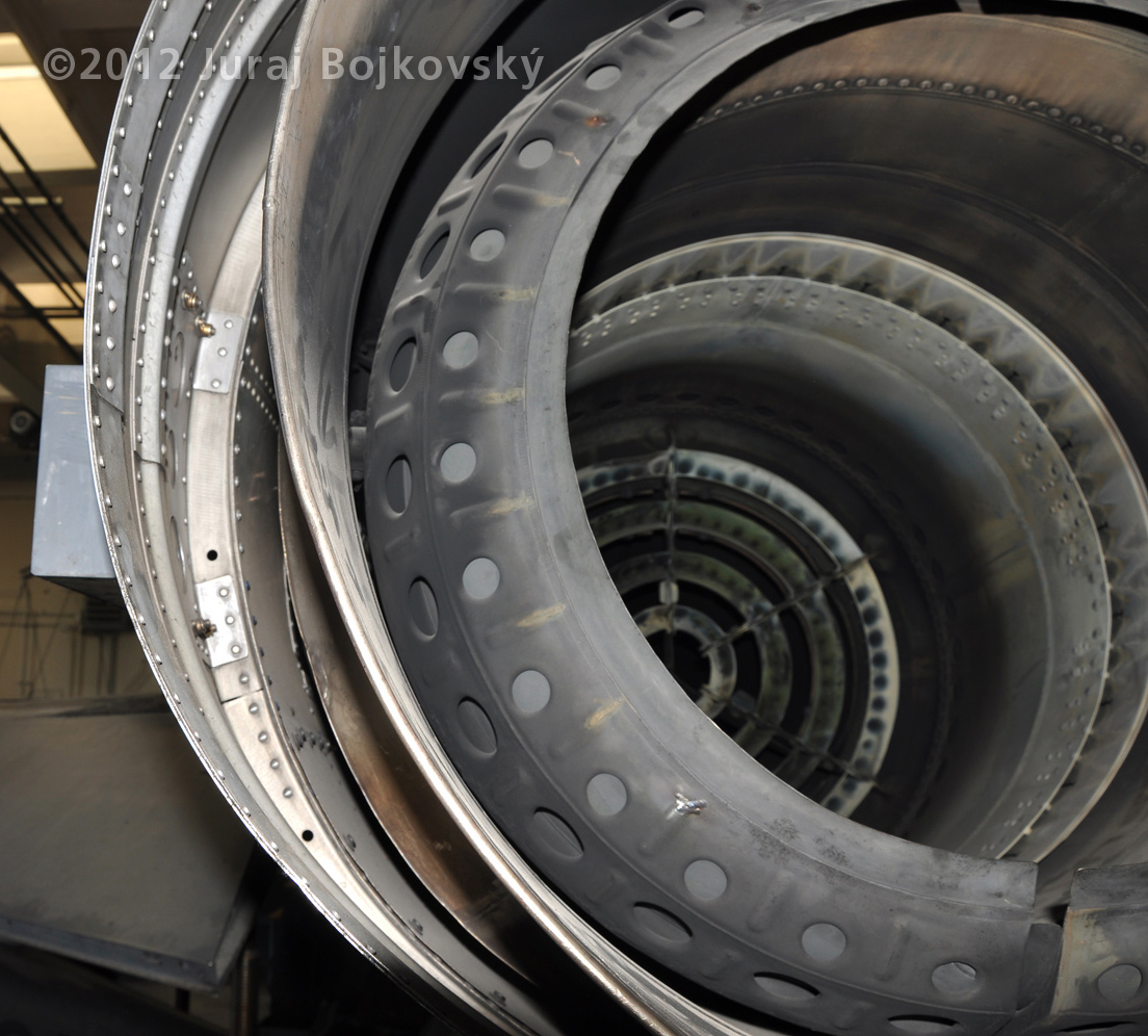 Saab J-35 Draken, Nozzle - Fuselage gap detail