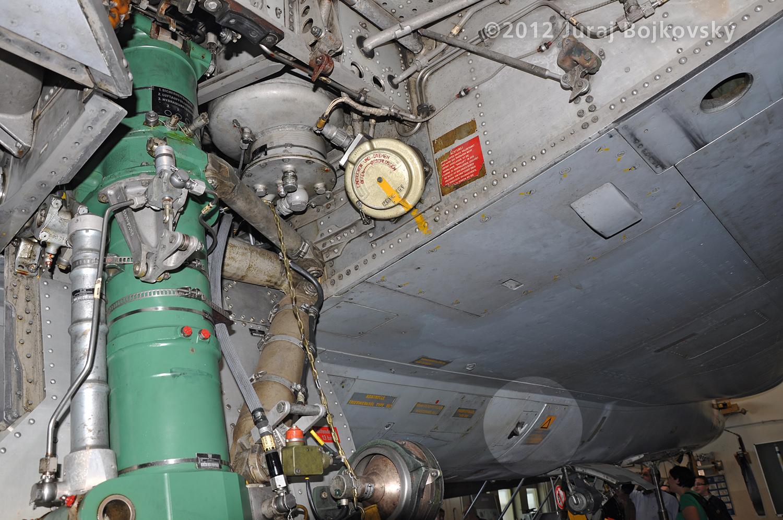 Saab J-35 Draken, Fuselage details, Right hand side, Looking toward nose
