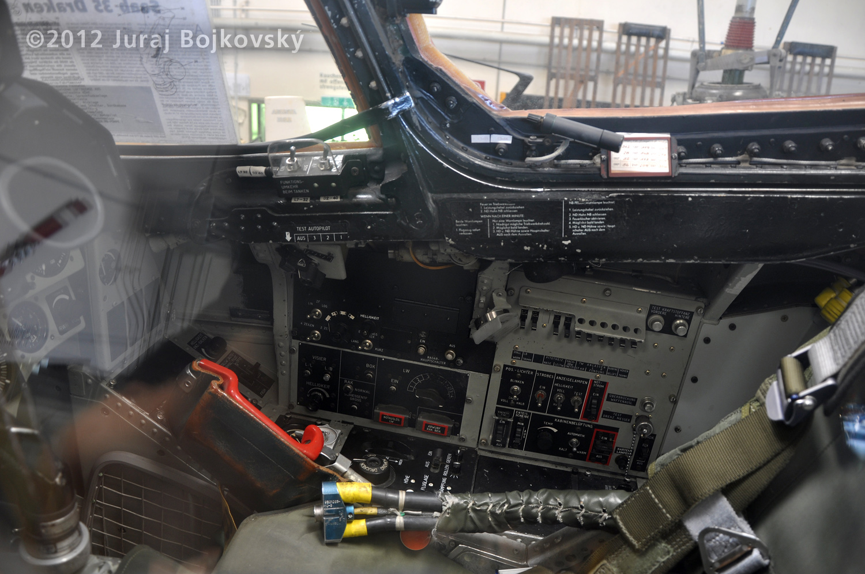 Saab J-35 Draken, Cockpit, Right hand wall