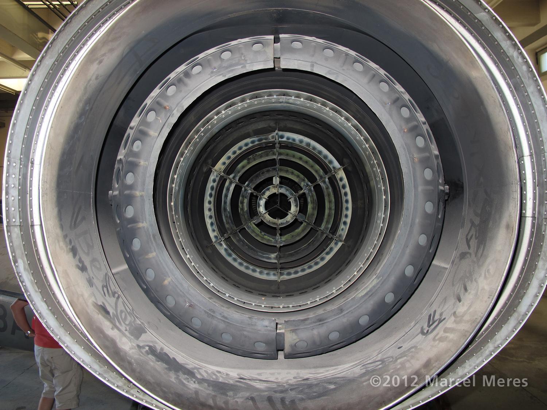 Saab J-35 Draken, Nozzle, Looking directly inside