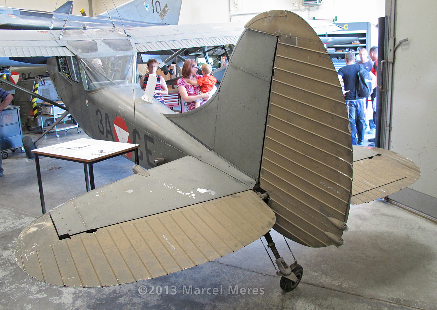 Cessna O-1 / L-19 Bird Dog, Austrian army, Tail section