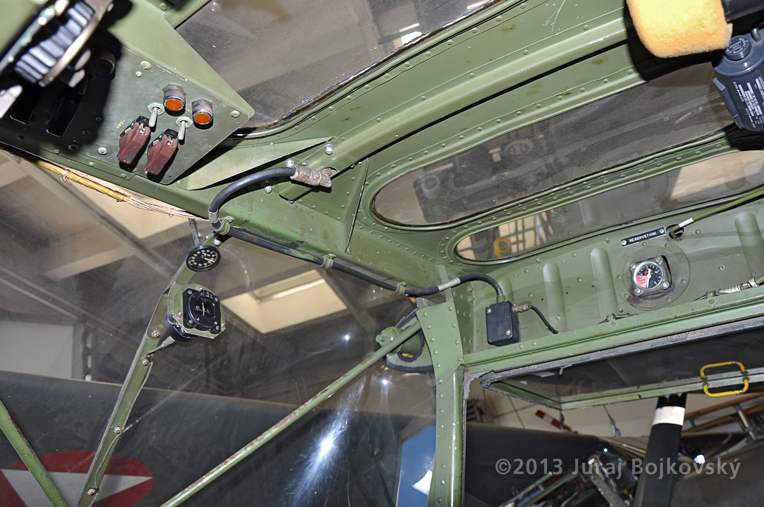 Cessna O -1 / L-19 Bird Dog, Austrian army, cockpit, front, windscreen right-hand side
