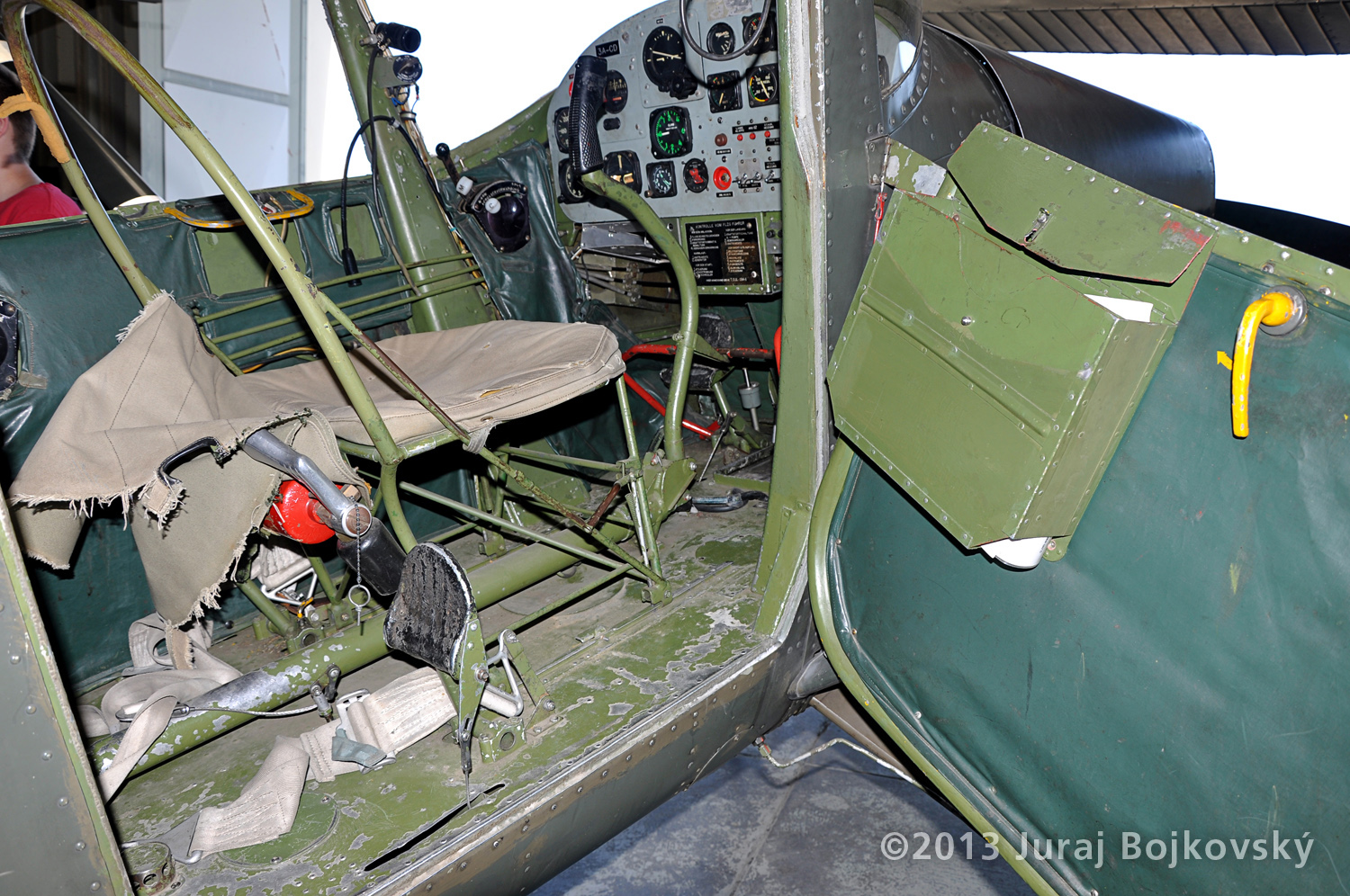 Cessna O-1 / L-19 Bird Dog, Austrian army, Cockpit, front seat