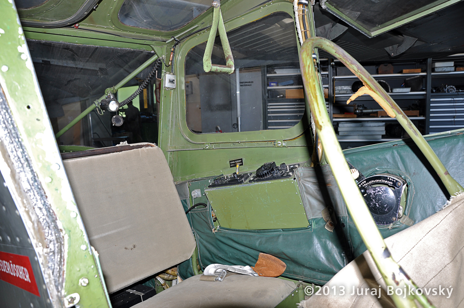 Cessna O-1 / L-19 Bird Dog, Austrian army, Cockpit, rear seat