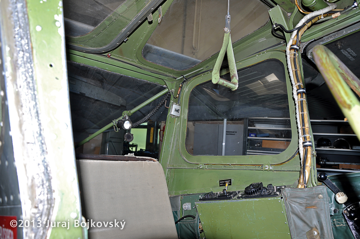 Cessna O-1 / L-19 Bird Dog, Austrian army, Cockpit, rear