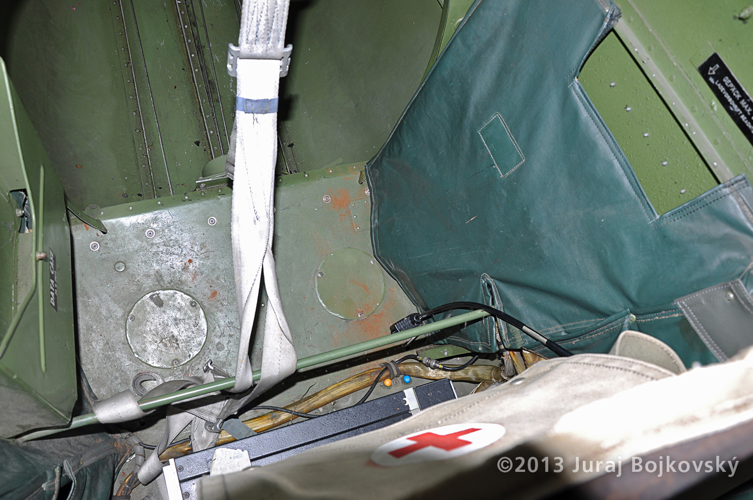 Cessna O -1 / L-19 Bird Dog, Austrian army, Cockpit, just behind observer's seat