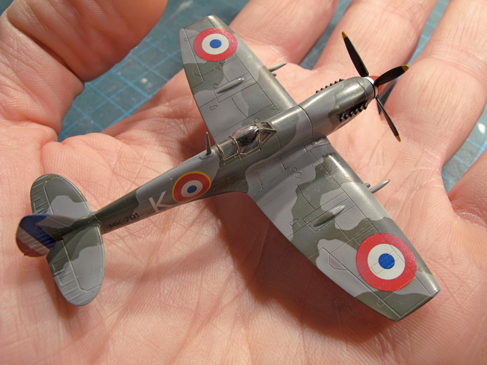 Spitfire Mk.IXe 1/144 Final photo