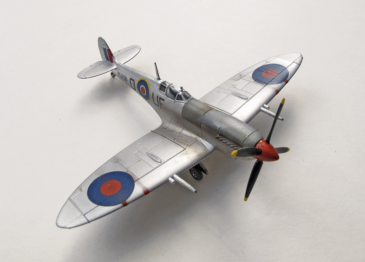 Supermarine Spitfire Mk.IXc, eduard, 1/144