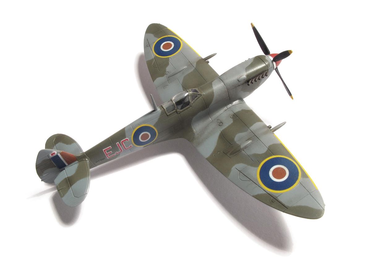 Supermarine Spitfire Mk.IXe, eduard, 1/144