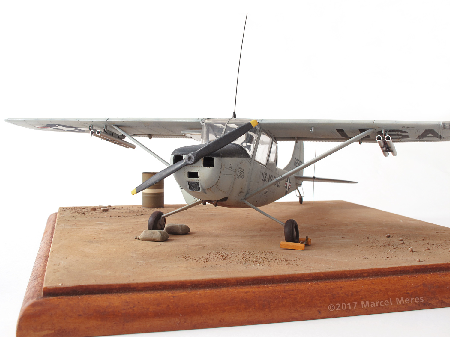 Cessna O-1E Bird Dog, front