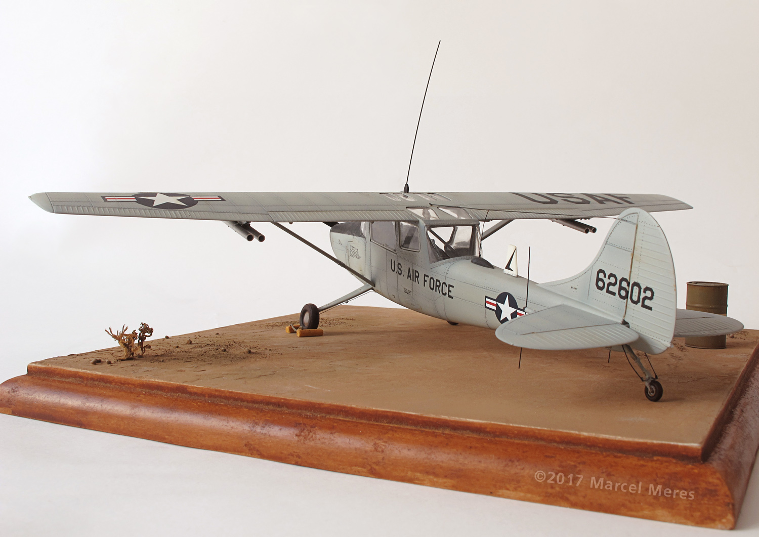 Cessna O-1E Bird Dog, port