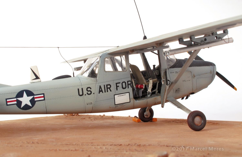 Cessna O-1E Bird Dog, door, close up