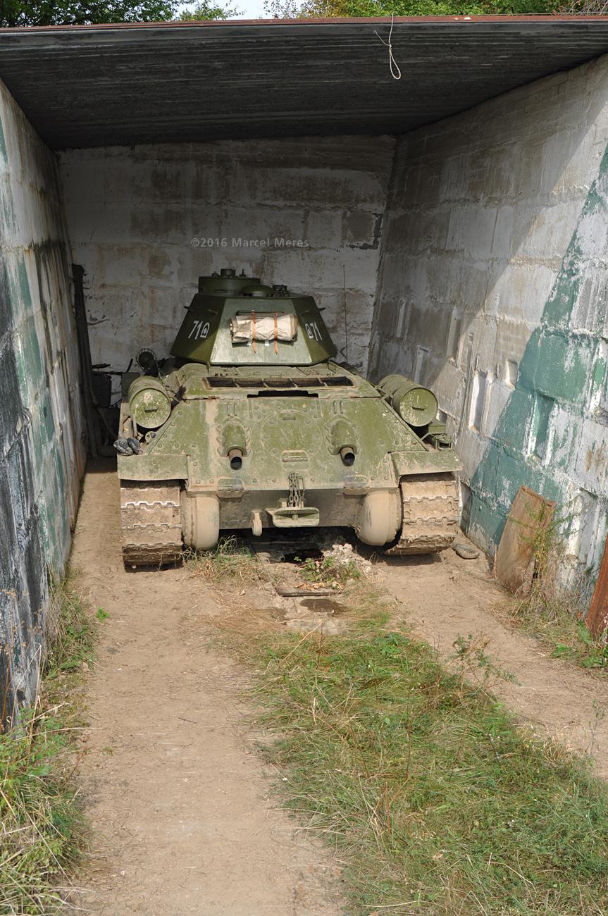 Tank T-34/76, zadná strana