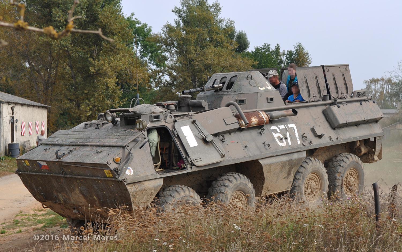 OT-64 SKOT, ľavá strana, predok