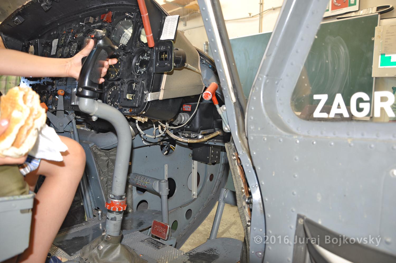 UH-1B Control Stick, Pilot