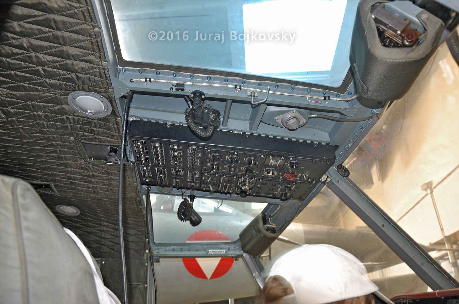 Bell UH-1B cockpit, side view, ceiling