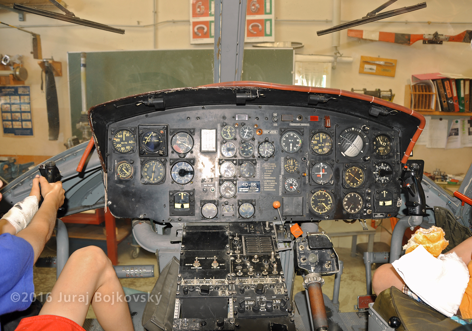 Bell UH-1B helicopter, Main instrument panel