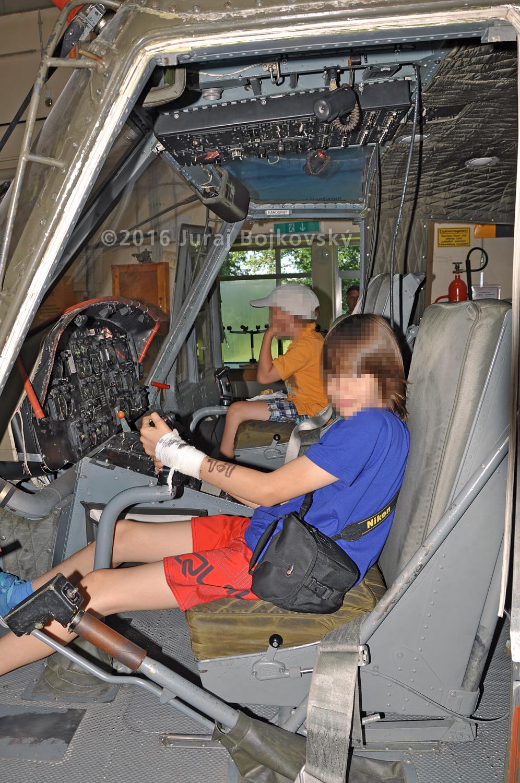 Bell UH-1B Seat, Co-Pilot