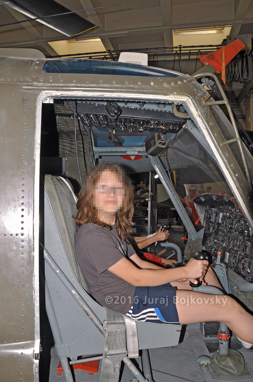 Bell UH-1B Seat, Pilot