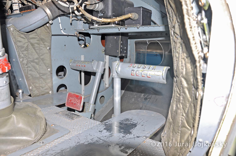 Bell UH-1B, Control Pedals, Pilot