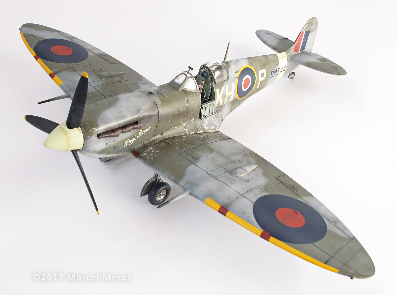 Spitfire Mk.Vb Tamiya 1/48 Phyl Marie, Front view, Top, Port side