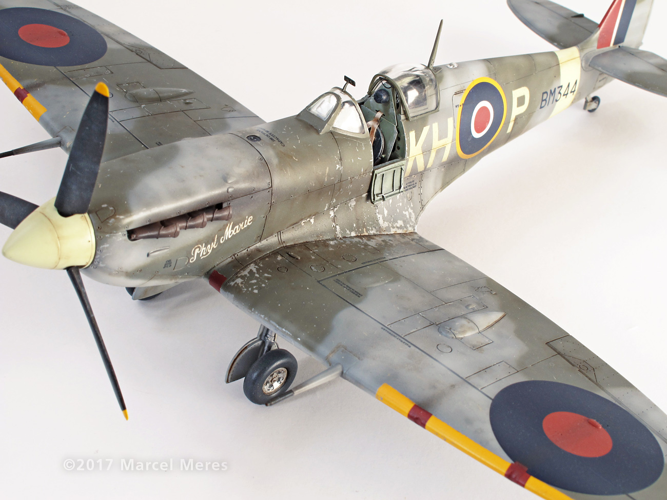 Spitfire Mk.Vb Tamiya 1/48 Phyl Marie, Close-up view from front, Port side