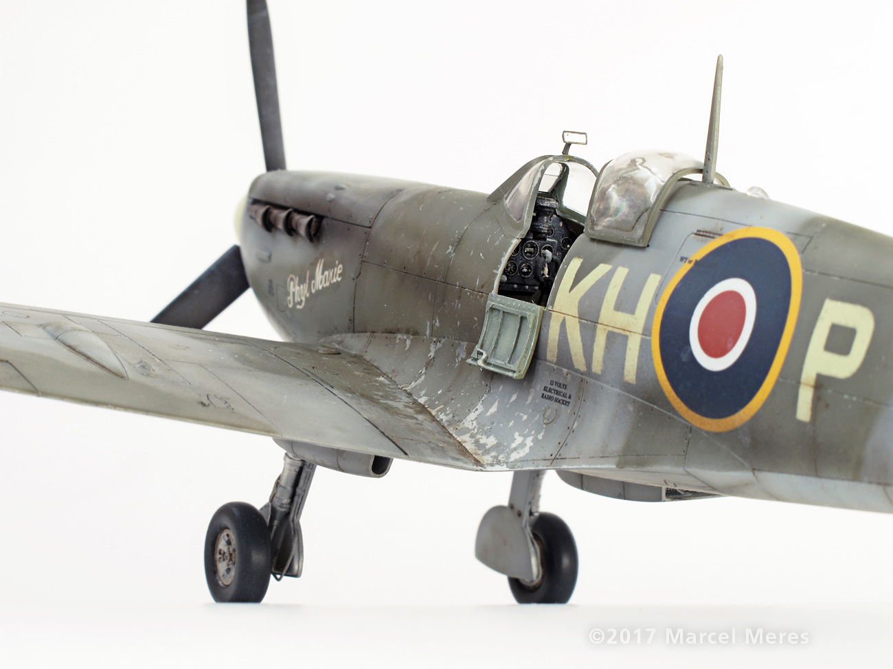 Spitfire Mk.Vb Tamiya 1/48 Phyl Marie, Close-up view from rear and down, Port side